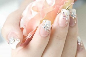 cute-nail-designs-with-rhinestones